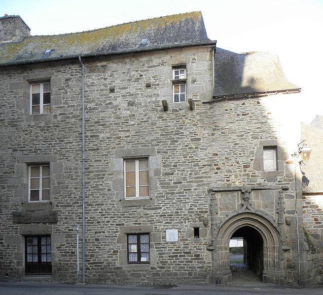 Photo du Monument Historique Hôtel de la Tour situé à Tréguier