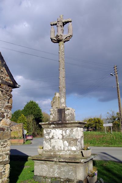 Photo du Monument Historique Croix du 18e siècle situé à Tressignaux