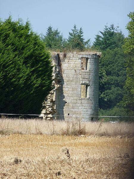 Photo du Monument Historique Château situé à Yvignac