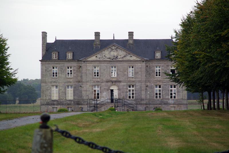 Photo du Monument Historique Château du Chalonge et dépendances situé à Trébédan