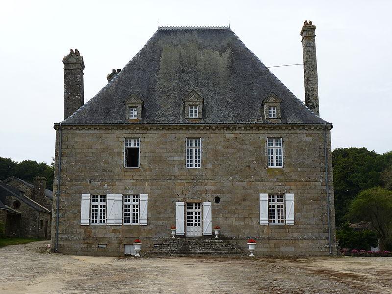 Photo du Monument Historique Château de Trégarantec situé à Mellionnec