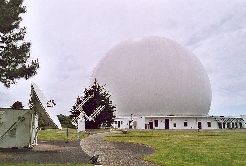 Photo du Monument Historique relais de télécommunication dit Le Radôme situé à Pleumeur-Bodou