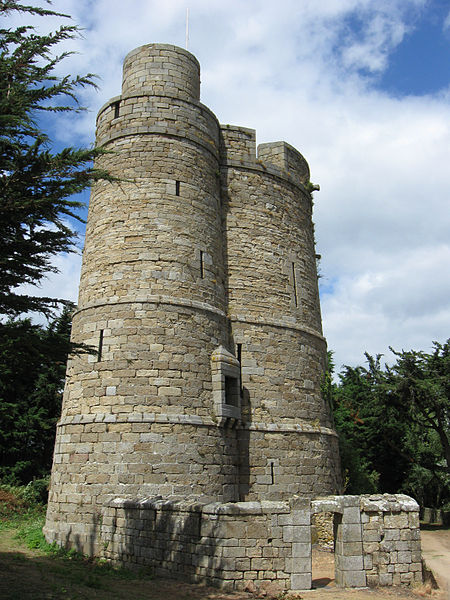 Photo du Monument Historique Tour des Hébihens situé à Saint-Jacut-de-la-Mer