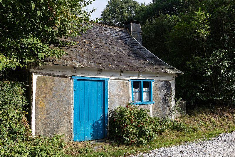 Photo du Monument Historique Ancienne maison d'ouvrier carrier, dite Loge Michel situé à Laniscat