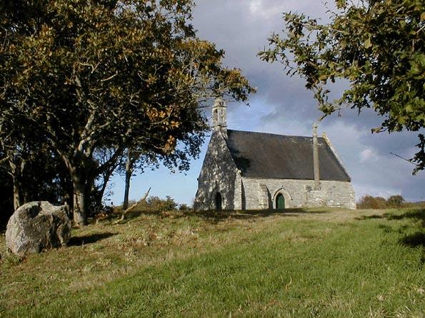 Photo du Monument Historique Chapelle de Christ et croix situé à Trégrom