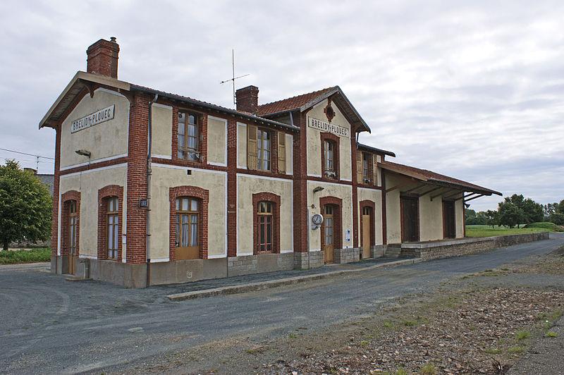 Photo du Monument Historique Gare ferroviaire de Brélidy-Plouëc situé à Plouëc-du-Trieux