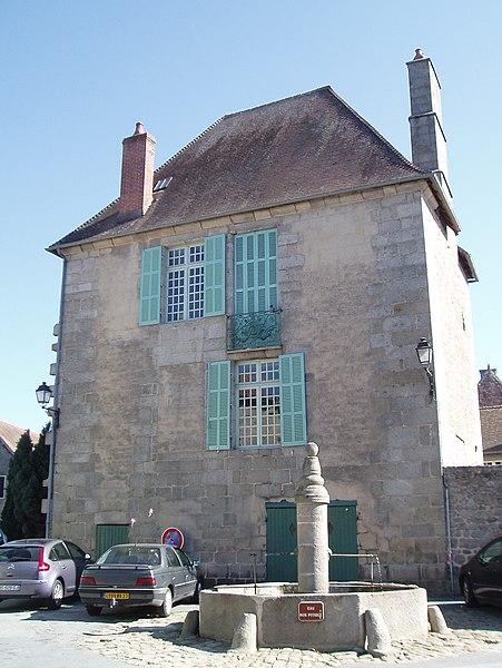 Photo du Monument Historique Fontaine situé à Ahun