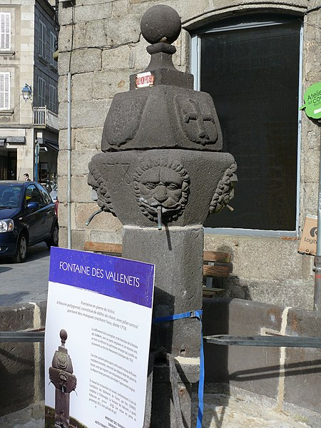 Photo du Monument Historique Fontaine situé à Aubusson