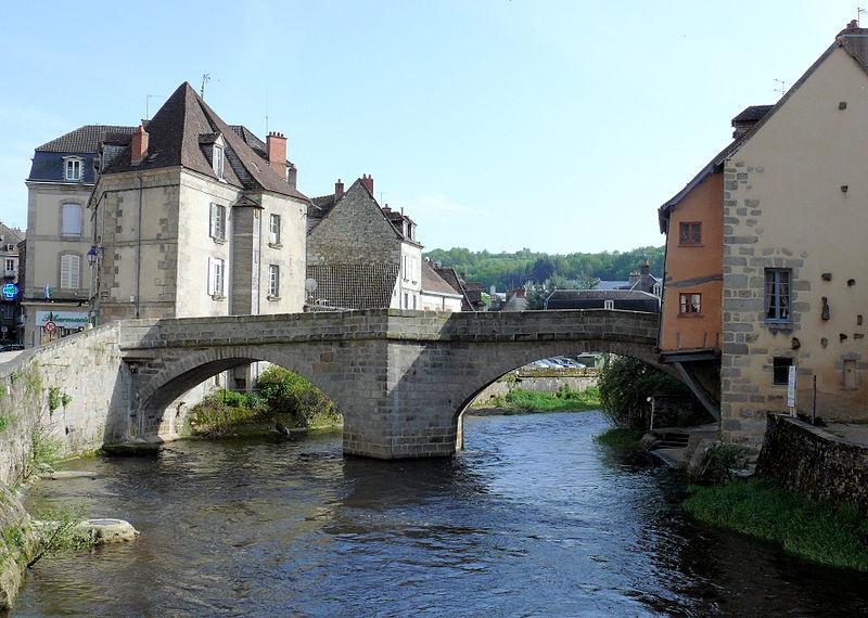 Photo du Monument Historique Pont sur la Terrade situé à Aubusson