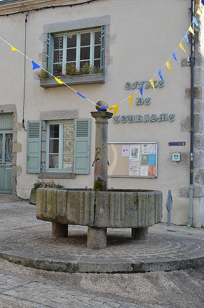 Photo du Monument Historique Fontaine situé à Bénévent-l'Abbaye