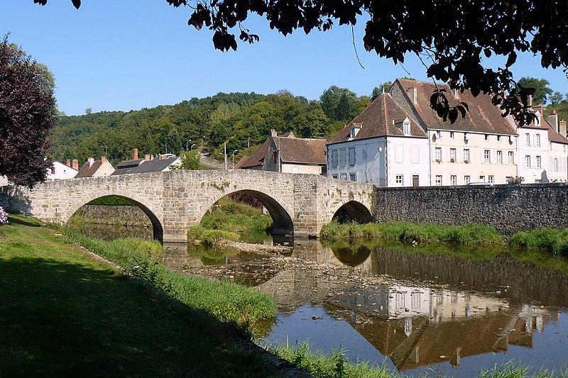 Photo du Monument Historique Pont sur la Voueize situé à Chambon-sur-Voueize