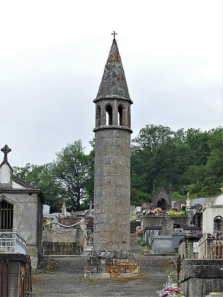 Photo du Monument Historique Lanterne des Morts situé à Felletin