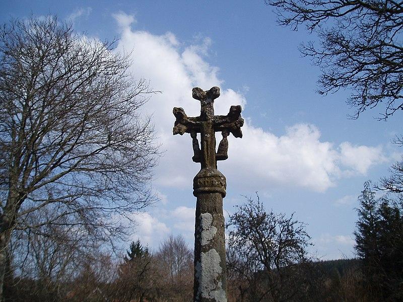 Photo du Monument Historique Croix sculptée du 15e ou du 16e siècle situé à Gentioux-Pigerolles