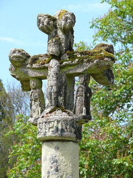 Photo du Monument Historique Croix de Villemoneix situé à Gentioux-Pigerolles