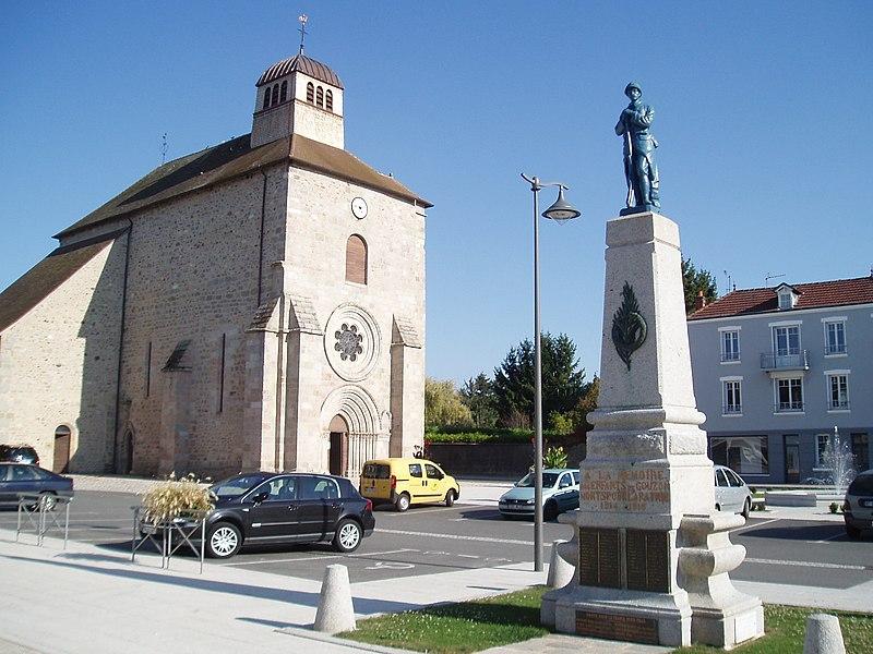 Photo du Monument Historique Eglise Saint-Martin situé à Gouzon