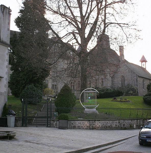 Photo du Monument Historique Ancien Hôtel des Moneyroux, appelé improprement ancien château des Comtes de la Marche, actuellement siège du Conseil général situé à Guéret