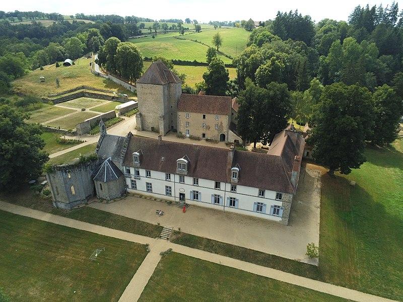 Photo du Monument Historique Ancienne abbaye de Bonlieu situé à Peyrat-la-Nonière
