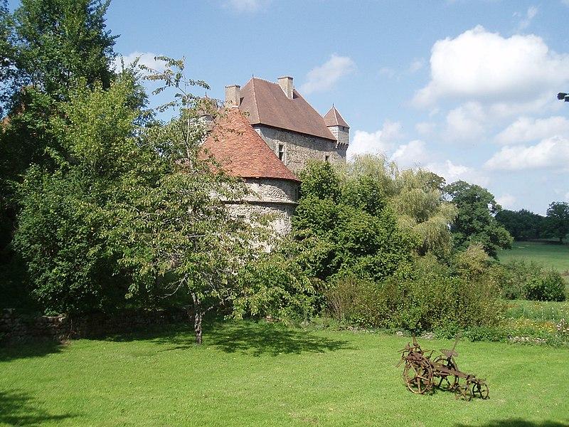 Photo du Monument Historique Château du Chiroux situé à Peyrat-la-Nonière