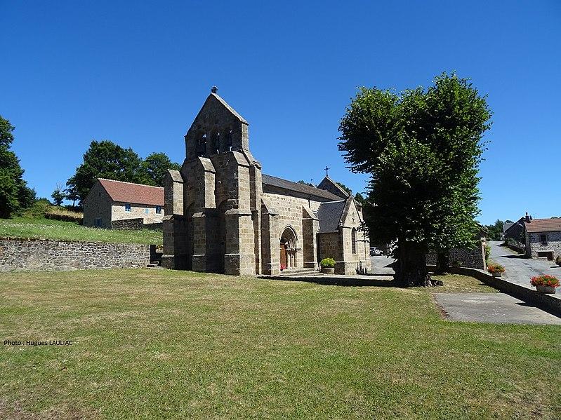 Photo du Monument Historique Eglise Saint-Pierre et Saint-Paul situé à Poussanges