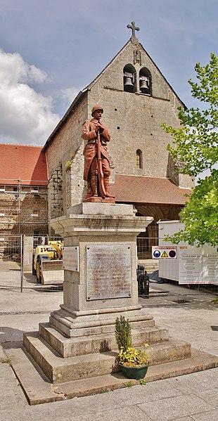 Photo du Monument Historique Ensemble formé par l'église et le bâtiment de l'ancien prieuré situé à Saint-Avit-de-Tardes