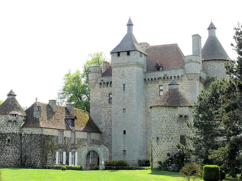 Photo du Monument Historique Château de Villemonteix situé à Saint-Pardoux-les-Cards