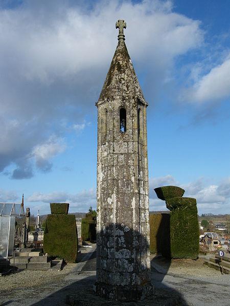 Photo du Monument Historique Lanterne des Morts situé à La Souterraine