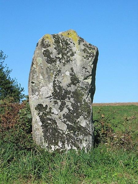 Photo du Monument Historique Menhir de la Rebeyrolle situé à Saint-Priest-la-Feuille