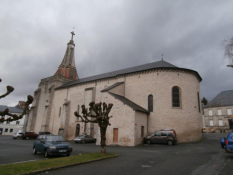 Photo du Monument Historique Eglise Saint-Julien-de-Brioude et Saint-Vaury situé à Saint-Vaury