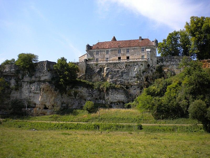 Photo du Monument Historique Château d'Aucors situé à Beaussac