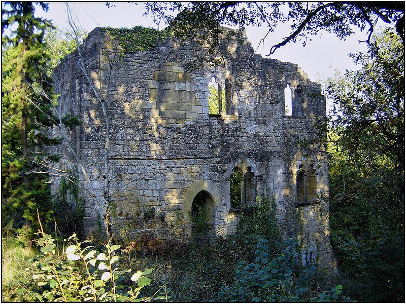 Photo du Monument Historique Ruines et sol de l'ancien couvent d'Abrillac situé à Beynac-et-Cazenac