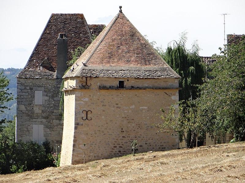 Photo du Monument Historique Château du Thon situé à Bézenac