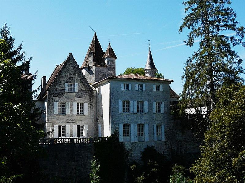 Photo du Monument Historique Maison du Sénéchal situé à Bourdeilles