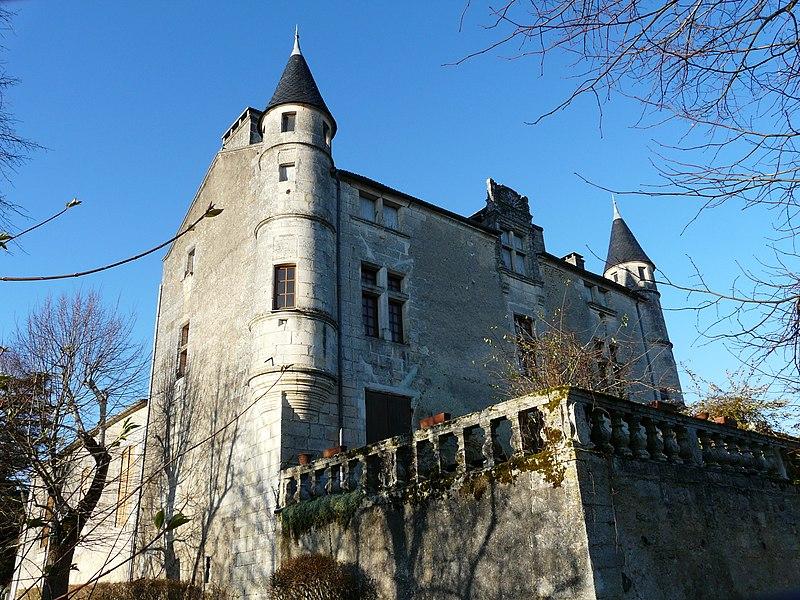 Photo du Monument Historique Château de Puymarteau situé à Brantôme