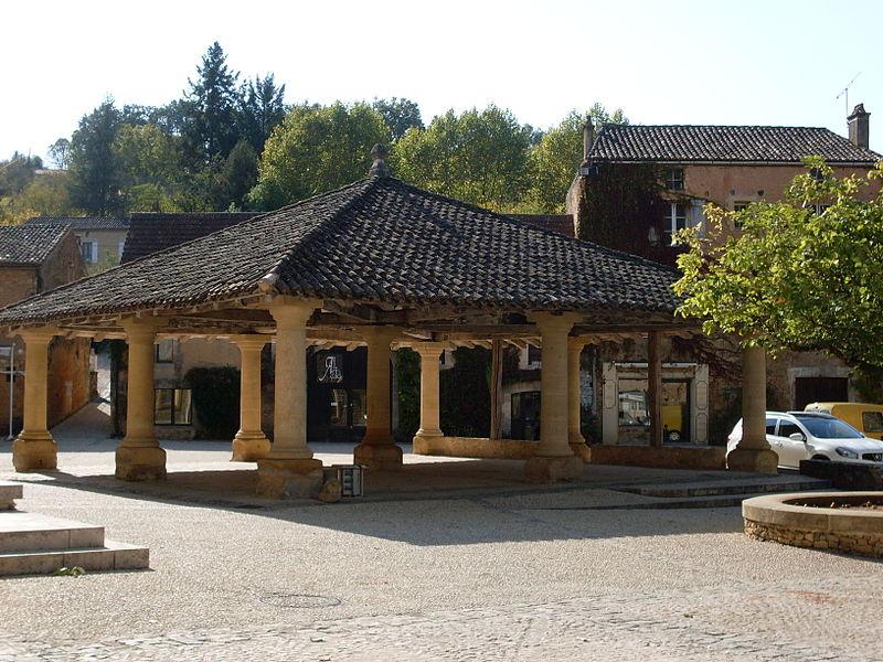 Photo du Monument Historique Halle de Cadouin situé à Le Buisson-de-Cadouin