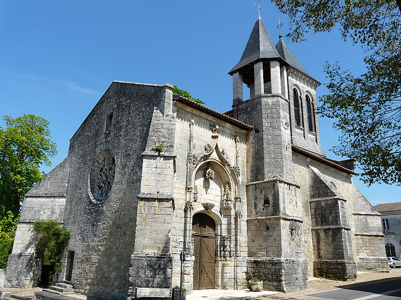 Photo du Monument Historique Eglise Saint-Christophe situé à Champagnac-de-Belair