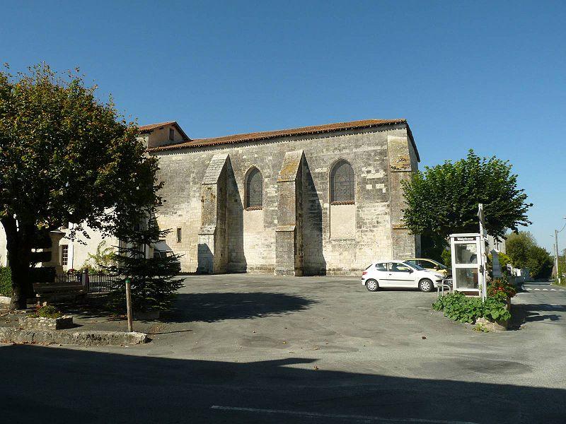 Photo du Monument Historique Eglise Saint-Martin de Champagne situé à Champagne-et-Fontaine