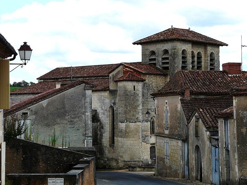 Photo du Monument Historique Eglise Saint-Pierre-ès-Liens situé à Chantérac