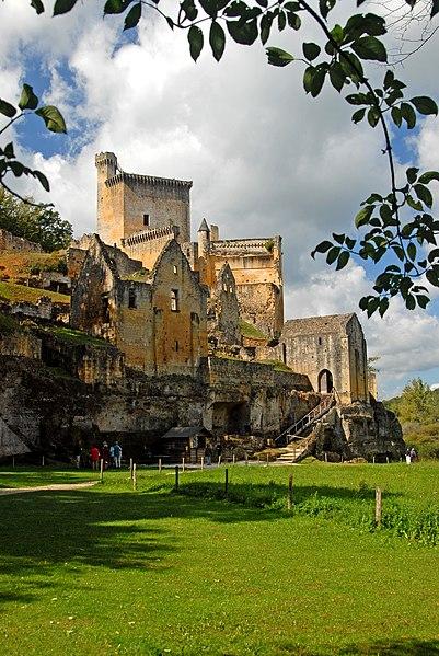 Photo du Monument Historique Château de Commarque situé à Les Eyzies-de-Tayac-Sireuil