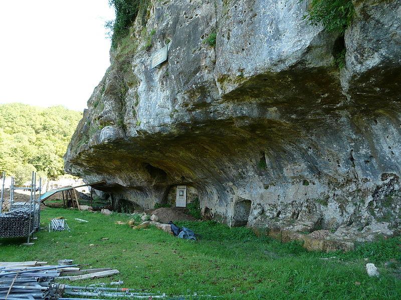Photo du Monument Historique Grotte du château de Comarque situé à Les Eyzies-de-Tayac-Sireuil
