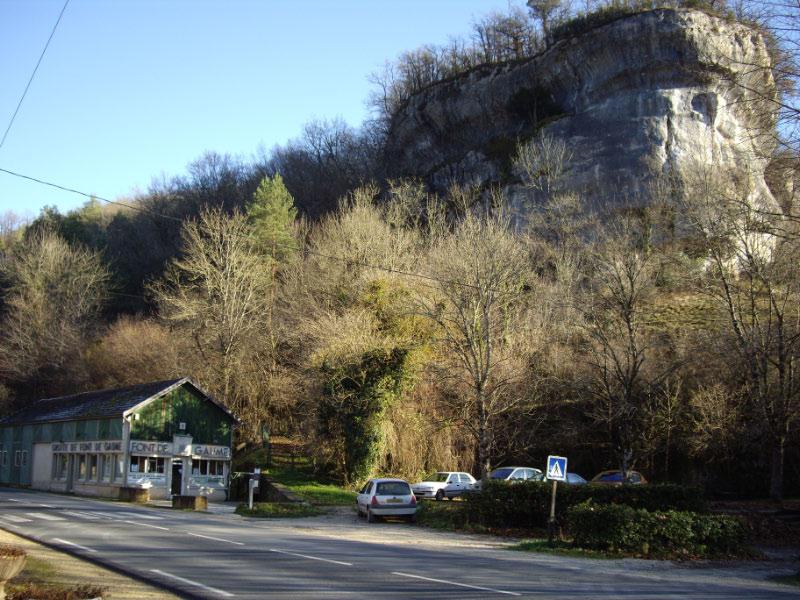 Photo du Monument Historique Grotte de Font-de-Gaume (grotte du Sourd) situé à Eyzies-de-Tayac-Sireuil (Les)