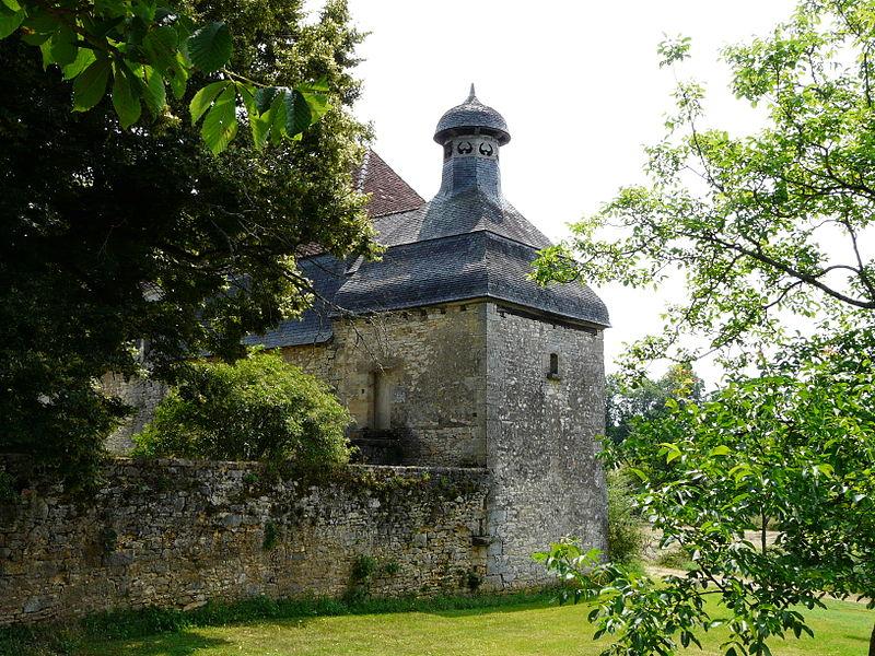 Photo du Monument Historique Château des Charreaux situé à Hautefort
