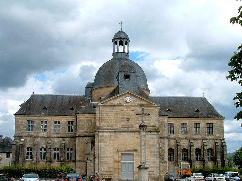 Photo du Monument Historique Ancien hôpital situé à Hautefort