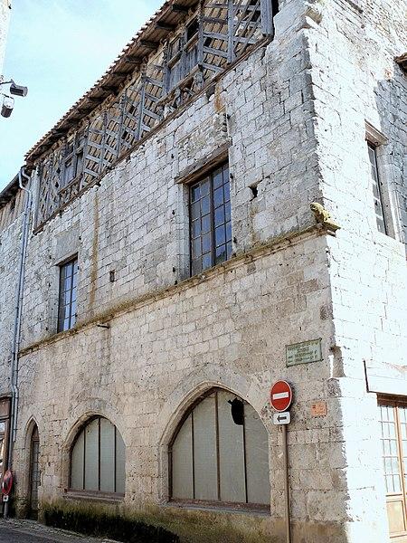 Photo du Monument Historique Maison gothique situé à Issigeac