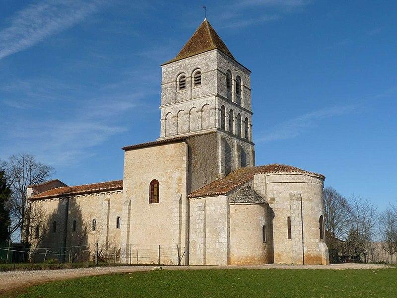Photo du Monument Historique Eglise de la Chapelle-Saint-Robert situé à Javerlhac-et-la-Chapelle-Saint-Robert