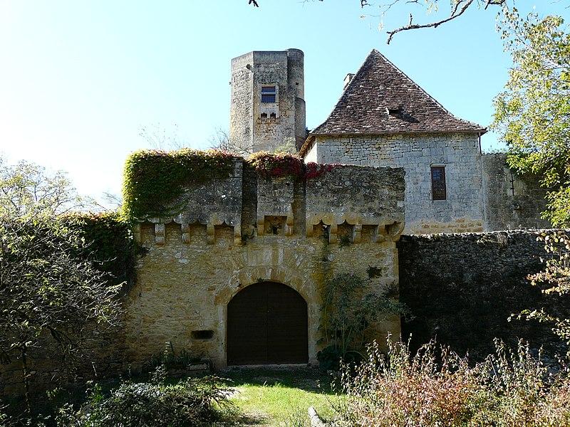 Photo du Monument Historique Château de la Rue situé à Lalinde