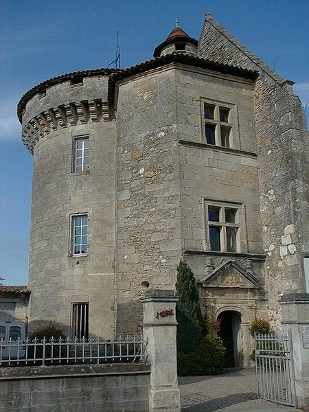 Photo du Monument Historique Ancien château des Archevêques de Bordeaux situé à Lamothe-Montravel