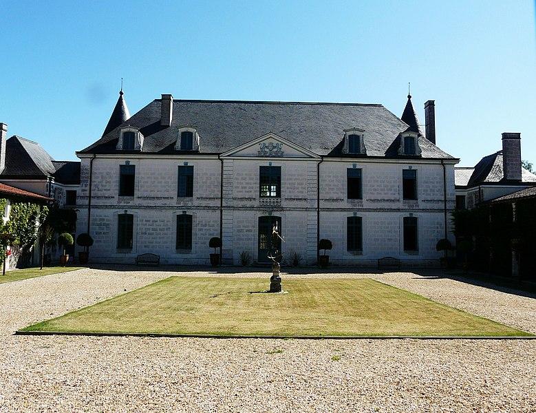 Photo du Monument Historique Château de Beaulieu situé à Mareuil