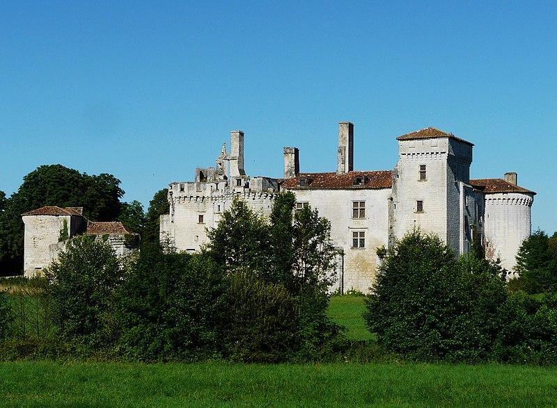 Photo du Monument Historique Château de Mareuil situé à Mareuil