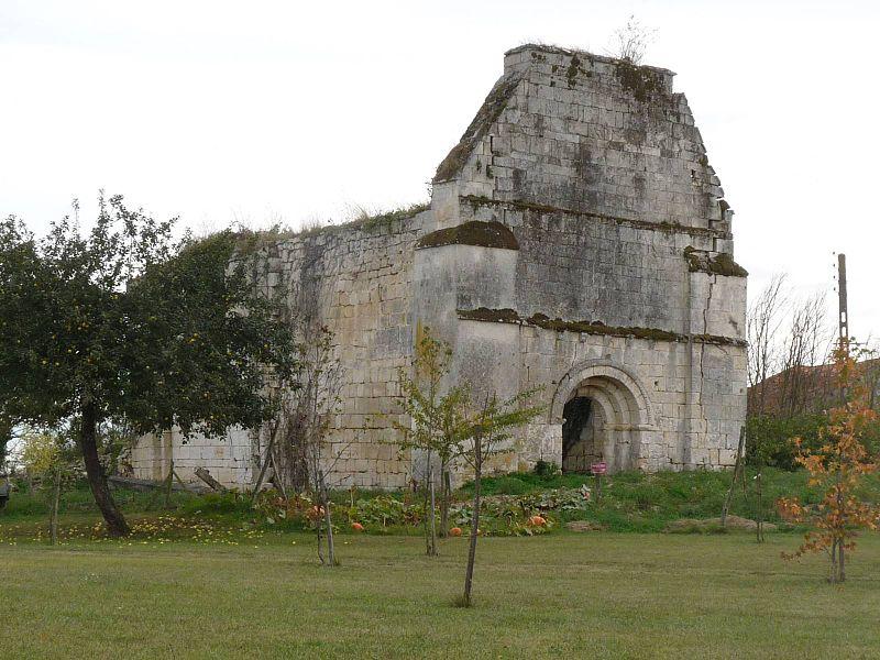 Photo du Monument Historique Ruines de l'église de Saint-Priest-de-Mareuil situé à Mareuil