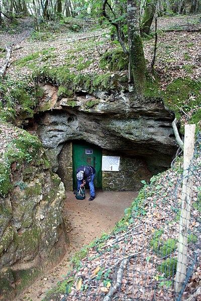 Photo du Monument Historique Grotte de Bernifal situé à Meyrals